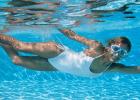 natiahni sa vo vode, cviky, strečing, stretch, voda, leto, bazén, jazero, more, cviky vo vode, workout