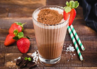 čokoládové smoothie s proteínom, zdravá strava, fitness