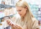 Dekoratívna kozmetika. Ako sa o ňu starať a čo by ste mali skontrolovať pri nákupe?