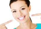 10 zaručených prírodných tipov pre biele zuby