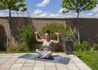 Cvičte doma s Dianou Hô Chí: Bruško a ruky trošku inak