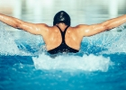 Chcete schudnúť plávaním? Dodržujte tieto zásady.