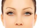 Trápia vás padnuté očné viečka? Pomôže vám plastika.