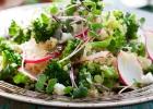 Brokolicovo-reďkovkový šalát s quinoou