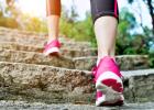 Tak ako rôzne iné kardio cvičenia či aktivity, chôdza pri správnej intenzite môže napomôcť posilniť vaše srdce a zlepšiť jeho funkciu, spáliť extra kalórie, zlepšiť dýchacie funkcie, ba dokonca pozdvihnúť náladu vďaka vyplavovaniu