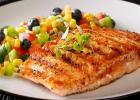 Ryba so šalátom na netradičný zdravý a fit spôsob