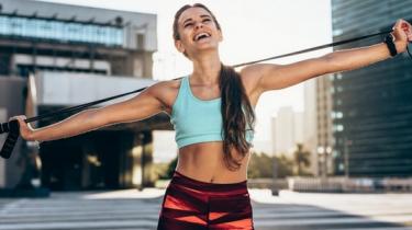 vyskáčte si postavu, skoky, kardio, doma, švihadlo, zdravie, chudnutie, tep, skákanie, chudneme, rýchlo, fit, svaly, postava, tip, top, fitness, kondícia, kondička, cviky so švihadlom, drepy, výskok