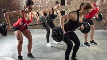 Cvičenie s vlastnou hmotnosťou, skupinové cvičenie, HIIT alebo činky? Čo si vyberiete?