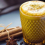 Zázračný nápoj, zlaté mlieko, ktoré vám zlepší zravie (kurkumové latte)