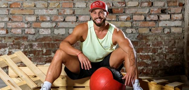 jany landl, trener, fit, strava, projekty, rozhovor, fitastyl.sk, tréner, ako sa stravovať, fitko, fitness, svaly, fitastyl.sk
