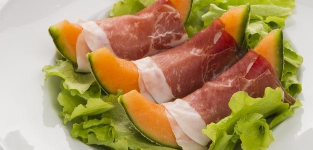 melón, medový, prošuto, mňam, chuťovka, oslava, recept, návšteva, pohostenie, fit, fitness, mäso