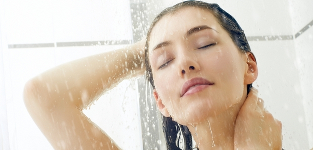 vitamíny, leto, opálenie, spálenie, koža, výživa, antioxidanty, telo, pokožka, A, C, E, sprcha, zásady, ako sa správne sprchovať, pleť, starostlivosť, zdravie, krása, koža, oleje, hydratácia