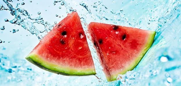 melón, voda, hydratácia, uhorky, rajčiny, paradajky, leto, teplo, smad, pitie, jedlo, ľahké, zdravie, tekutiny, hydratácia
