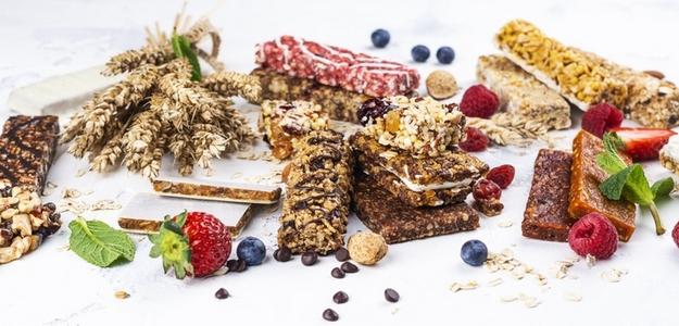 musli tyčinka, raw, ovocie, fit, protein, bielkoviny, fitness, mňam, strava, výživa, zdravie, orechy, čo jesť