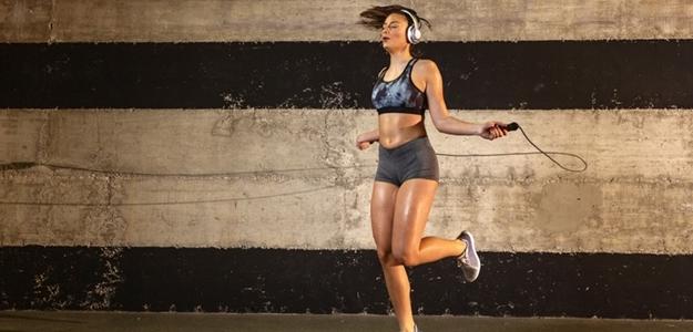 cardio, kardio, trening, hiit, tabata, trenujeme, jumping, crossfit, šport, ženy , skupina