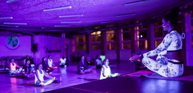 neon fit night, diana hô chi, fit, yoga, pound fit, piloxing, fitness, wellness, cvičenie, workout