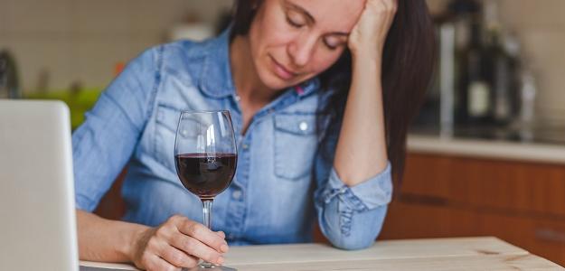 Čo robí alkohol s našim telom