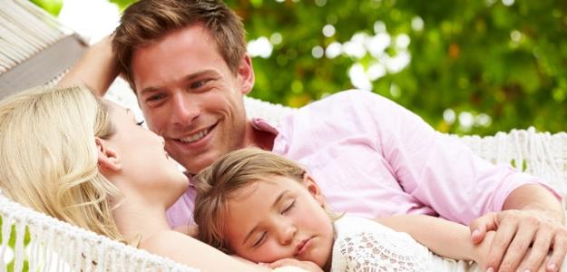 Kde sa vytratil ten klasický scenár – vyštudovať a založiť si rodinu?