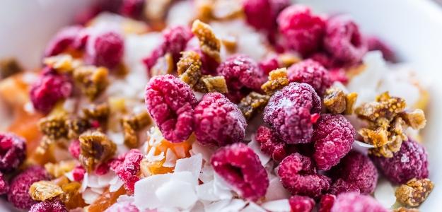 Ovocie sušené mrazom. V čom sa odlišuje od tradične sušeného ovocia?