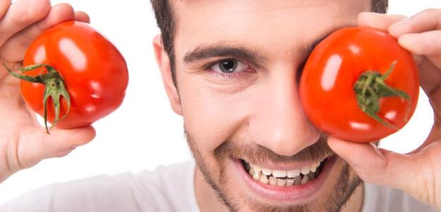Prečo by ste mali jesť paradajky? Muži a kardiaci, spozornite!