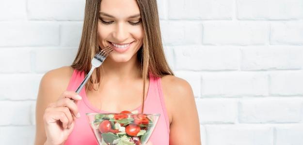 Minimum kalórií, maximum vitamínov. Sezóna šalátov v plnom prúde.