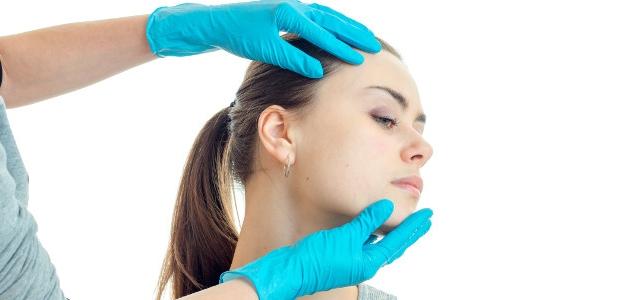 Korekcia odstávajúcich ušníc. Pýtali sme sa priamo primára plastickej chirurgie.