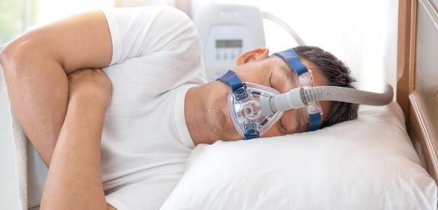 Skoncujte s chrápaním! Vyšetrenie v spánkovom laboratóriu vám pomôže.