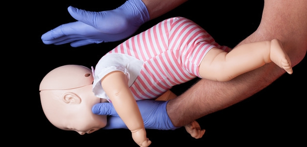 prvá pomoc, resuscitácia, oživovanie, dieťa, nehoda,úraz