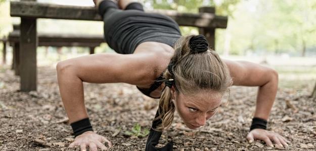 Ukážkový HIIT tréning, ktorý môžete cvičiť kdekoľvek