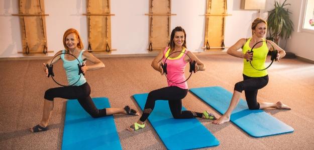 PURE BAR FORM. Cvičenie, zamerané na problémové ženské partie.