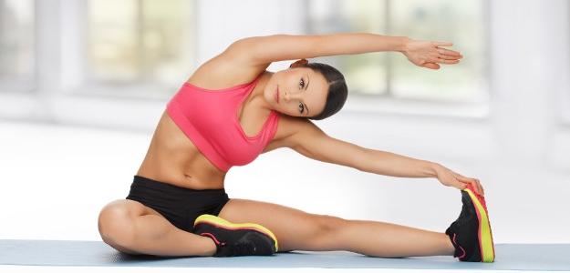 Nepodceňujte strečing! Znížite riziko úrazu a stuhnutia svalov.