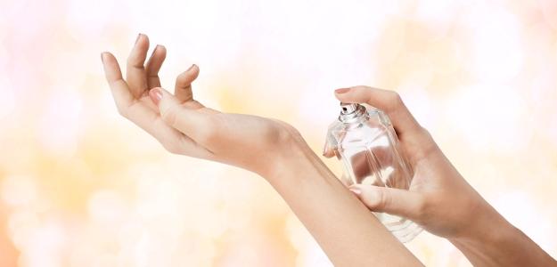 Parfum alebo parfumovaná, či toaletná voda. Aký je medzi nimi rozdiel?