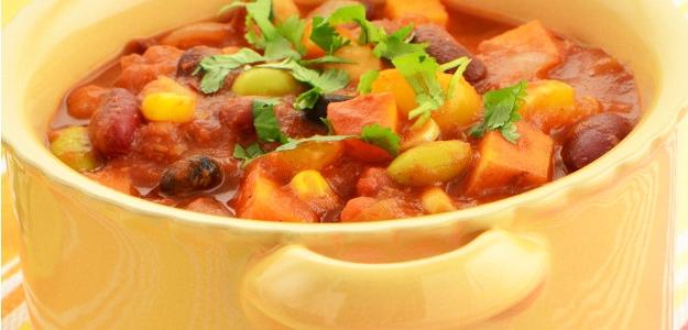 Vegetariánske čili so sladkými zemiakmi