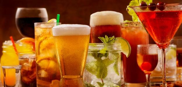RECEPTY: Bylinný likér alebo víno? Pripravte si chutnú medicínu sami