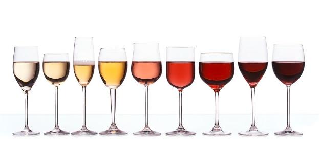 Večer s pohárom vína - elixír zdravia, či diétny hriech?