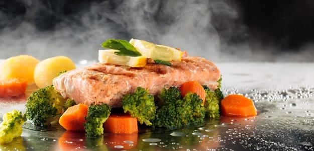 jedlo, parenie, para, parny hrniec, jedlo na pare, zemiaky, ryba, ryža, maso, ako variť na pare