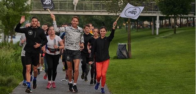 Viac ako 130 bežcov privítalo slnko na RUN THE GOLDEN HOUR