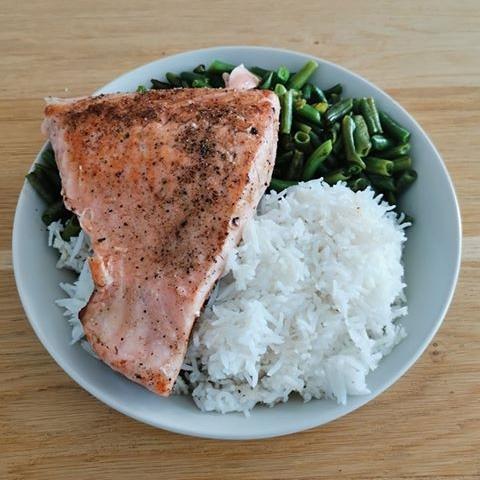 Ondrej má rád mnoho jedál, najviac mu ale chutí tofu a losos, ktoré si si takto pripravuje
