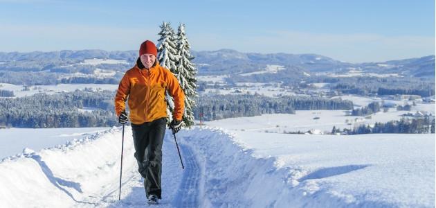 Nordic walking. Efekt vysoký, riziko minimálne.
