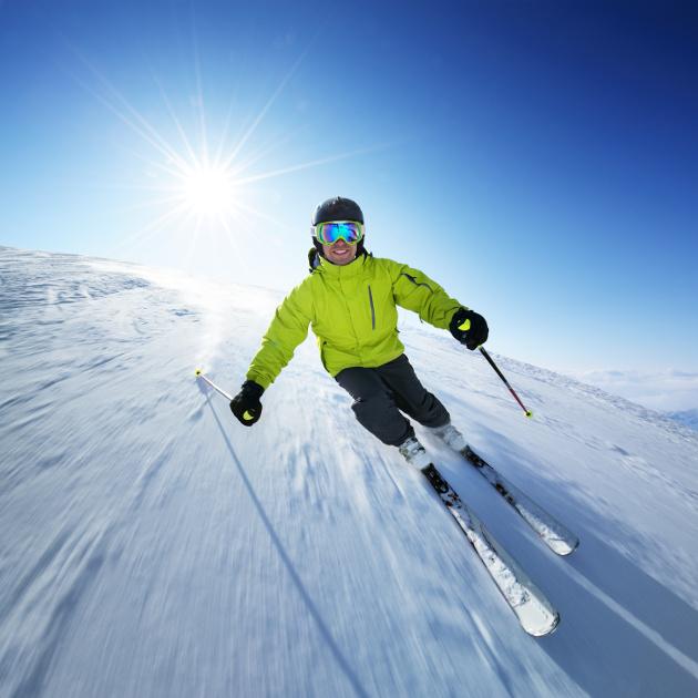 0c07f7128 Ak ste si už ozrejmili povrch zjazdovky a dobre poznáte svoju úroveň  lyžovania, zostáva vám ešte zopár vecí do kompletného výstroja.
